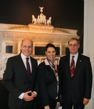 Peter Beyer, MdB with Martina Stellmaszek, President & CEO, GACC South, German Consul General Christoph Sander